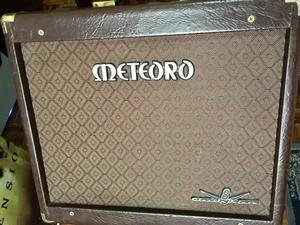 Amplificador VALVULADO Meteoro Delux V8