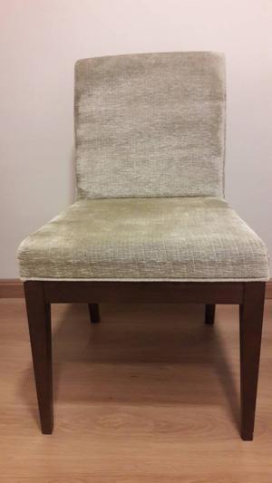 04 cadeiras de jantar semi novas.