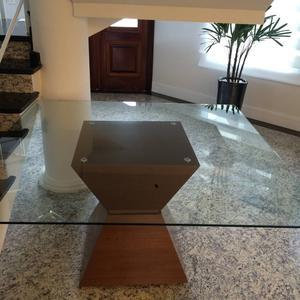 Mesa Sier, quadrada 1,40x1,40, base em madeira e tampo em