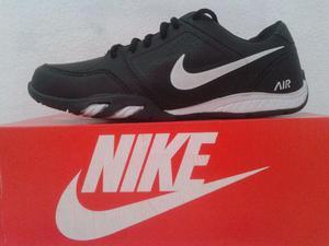 Tenis Nike Novo na Caixa preto com Branco Masculino