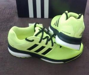 Tênis Adidas Revenge Boost Tam 40 (Original novo sem uso)