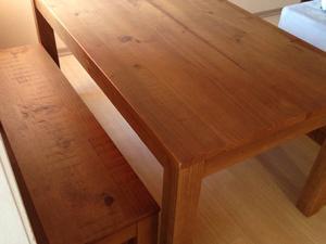 mesa + bancos madeira e mbúia mel