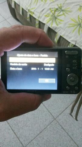 Máquina fotográfica novinha da Sony