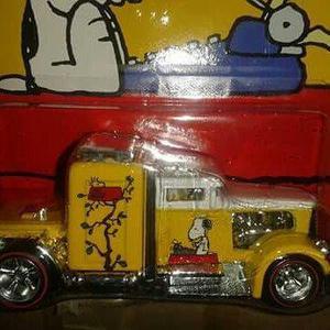 Miniatura Caminhão Convoy Snoopy Pop Culture