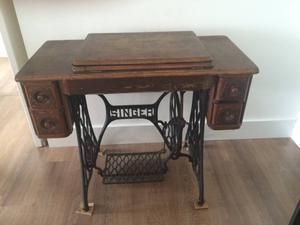 Máquina de costura antiga Singer (original da década de