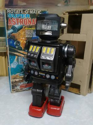Robô em lata anos 60