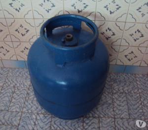 Vendo 1 Botijão De Gás De 13 Kg Vazio