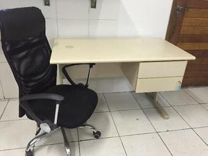 Mesa para escritório com cadeira diretor