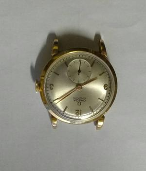 relógio marca Omega modelo Bomber em ouro rosa