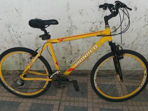 Bicicleta Mônaco de alumínio novíssima