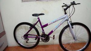 Bicicleta aro 26 Com 18 marchas semi nova