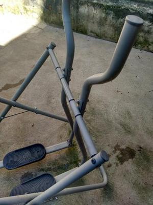 Vendo 3 bicicletas e simulador de caminhada mais um brinde