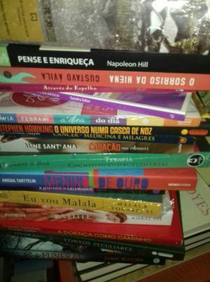 Vendo lotes de livros novos