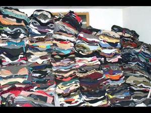 Lote de roupas para brechó 700pçs