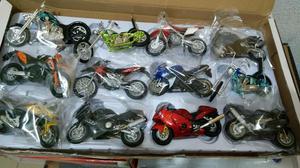 Miniaturas de motos 1.18