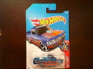 Miniatura hot wheels chevy luv 72 custom