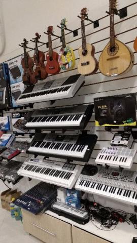Teclados,Controladores e Pianos Usados e Novos