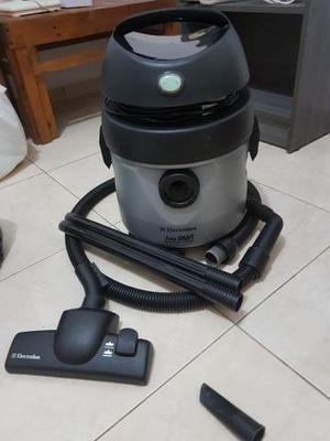 Aspirador de pó e água Electrolux A10