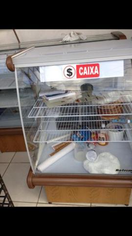 Balcão refrigerado e balcão caixa
