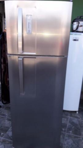 Geladeira Electrolux Inox Frost Free duplex 310 litros