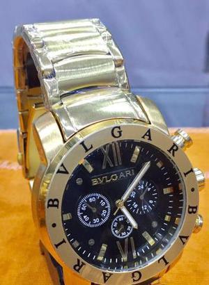 Relógio Bulgari Esporte Fino dourado com design preto