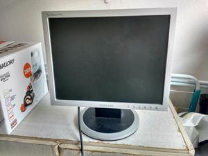 Monitor LCD Samsung 15 polegadas