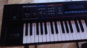 Vendo um teclado roland juno DI