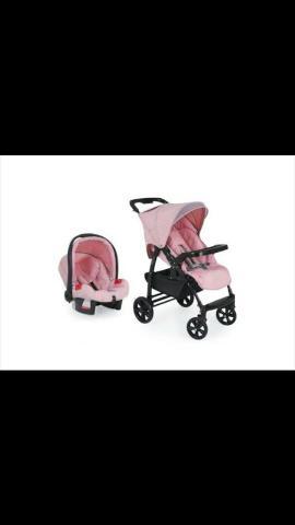 Carrinho com bebê Conforto rosa