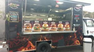 Food Truck pronto para trabalhar -