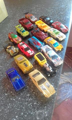 Carrinhos hot wheels
