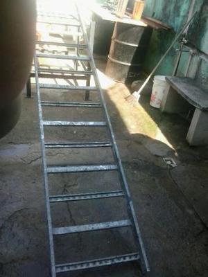 Escada de 15 degraus de ferro galvanizado