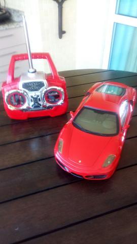 Ferrari de controle remoto grande