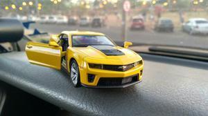 Miniatura do Camaro Amarelo