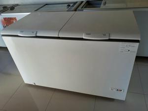 Freezer em perfeitas condições semi novo 520litros