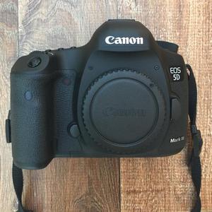 Canon EOS 5D Mark III com Lente (usada)