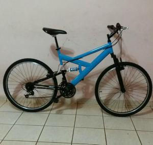 Bicicleta full suspension