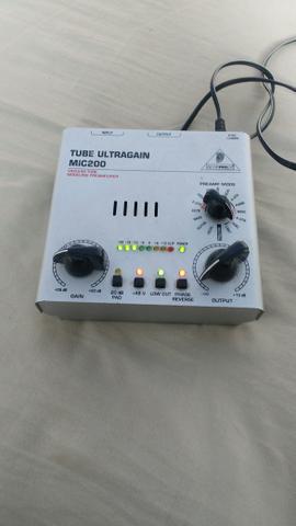 MIC 200 é um pré-amplificador valvulado