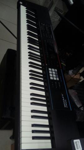 Teclado Roland JUNO DS 88 teclas