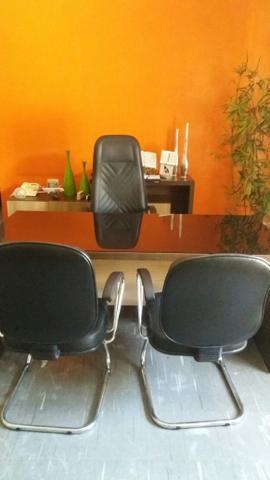 Mesa de Alto Padrao, Cadeiras e Amario Alto