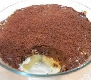 Pavê de pote de 2 recheio creme e chocolate.