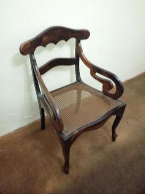 Cadeira em madeira de lei maciça jacarandá e assento em