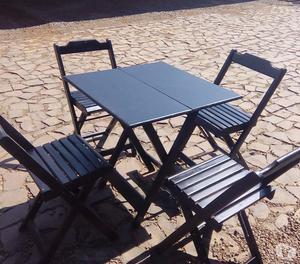Conjunto dobrável 70x70 com 4 cadeiras em madeira de lei