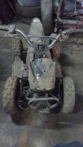 Mini quadriciclo