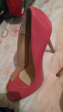 2 sandália de salto alto
