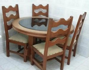 Mesa c/4 cadeiras em madeira