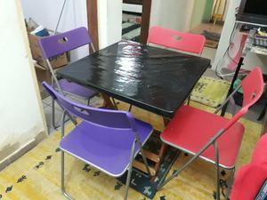 Mesa madeira com 4 ou 6 cadeiras