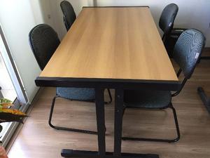 Móveis de escritório usados, em ótimo estado, para 4