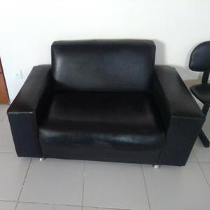 Sofá p/ 2 lugares ideal p/ escritório