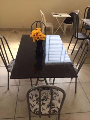 Mesa com 4 cadeiras Linda Nova