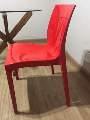 Mesa de vidro e 2 cadeiras